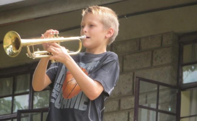 Tristan-playing-Trumpet-900×444